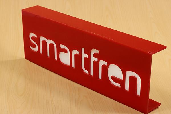 smartfren akrilik display 2